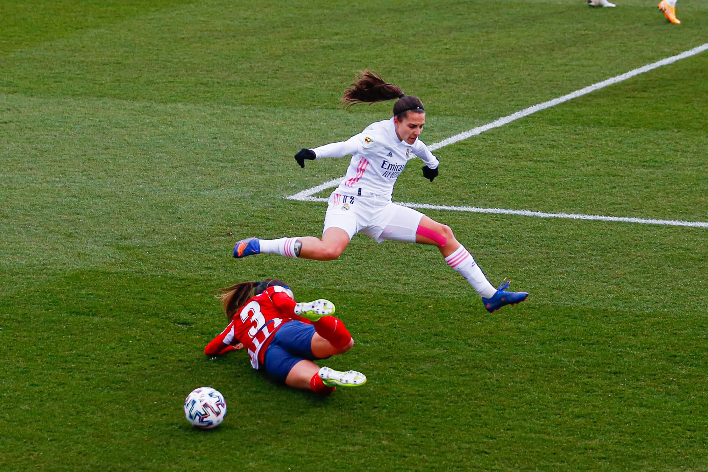 Real Madrid encara o Atlético de Madrid no feminino